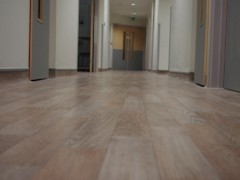 http://diamondflooring.co.uk/uploads/images/nonslip-flooring-pic.jpg